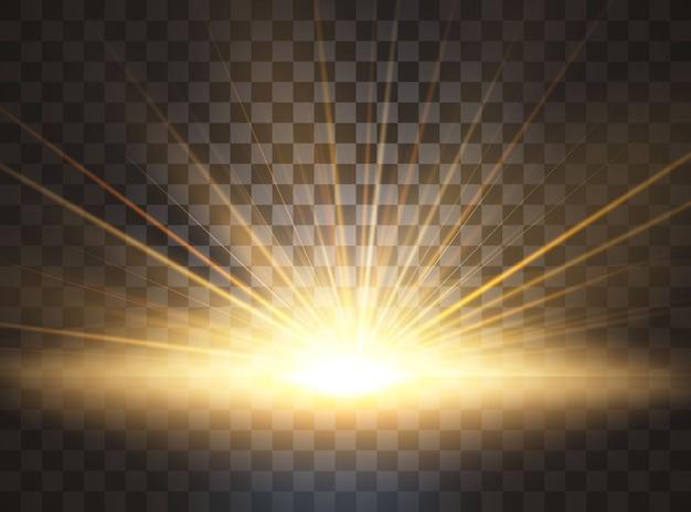 日の出、夜明け。透明な日光。特殊レンズフレアライト効果。