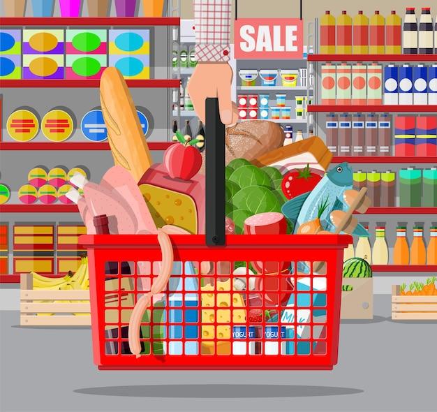 상품이 있는 슈퍼마켓 매장 인테리어입니다. 큰 쇼핑몰. 내부 인테리어 매장. 계산대, 식료품, 음료, 음식, 과일, 유제품. 평면 스타일의 벡터 일러스트 레이 션
