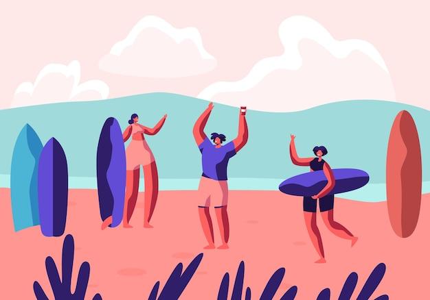 이국적인 해변 리조트에서 서핑 파티. 보드가있는 남성과 여성 운동가는 샌디 비치에서 휴식을 취합니다. 만화 평면 그림