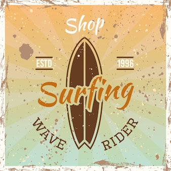 밝은 배경에 서핑 보드 벡터 일러스트와 함께 컬러 빈티지 엠 블 럼, 배지, 레이블 또는 로고 서핑
