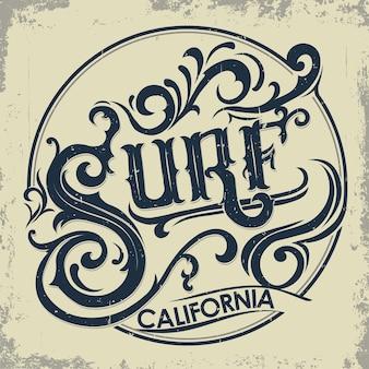 서핑 티셔츠 그래픽 디자인. 손으로 쓴 캘리포니아 서퍼들은 타이포그래피 엠블럼을 착용합니다. 창의적인 디자인. 벡터