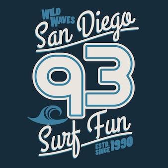 서핑 티셔츠 그래픽 디자인. 서핑 레터링 샌디에이고 서퍼들은 타이포그래피 엠블럼을 착용합니다. 창의적인 디자인. 벡터