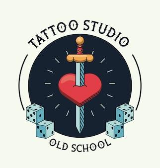 하트 문신 스튜디오 로고에 칼