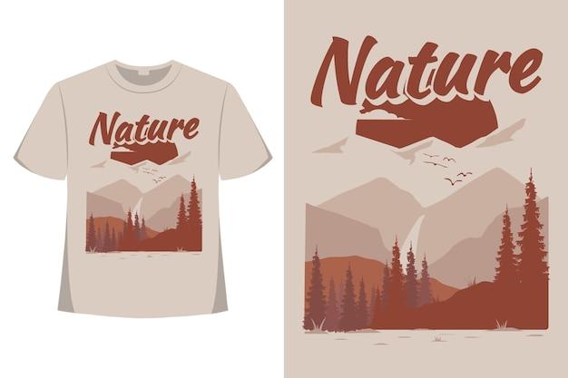 Дизайн футболки приключений природы сосновой горы плоский рисованной стиль старинные иллюстрации