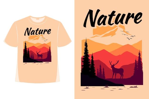 자연 산 사슴 여름 일몰 손으로 그린 스타일 복고풍 빈티지 그림의 티셔츠 디자인