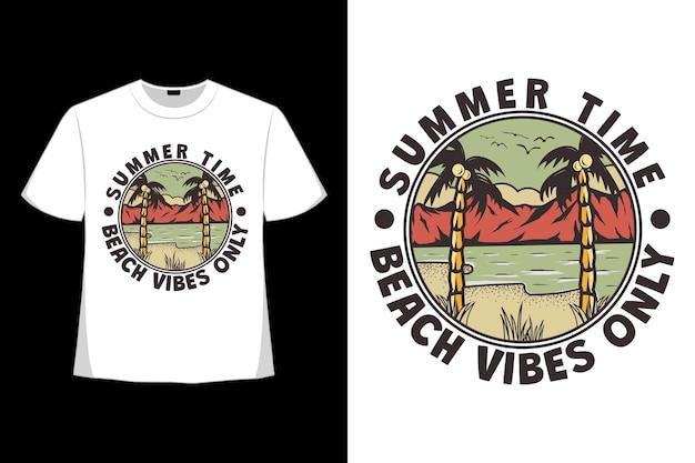Дизайн футболки летних пляжных флюидов, рисованной в стиле ретро