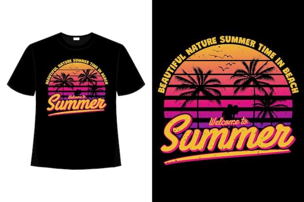 夏の美しい自然ビーチのヤシの夕日の空のレトロなスタイルの t シャツ デザイン