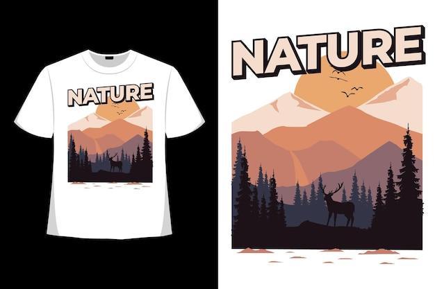Футболка природа сосна олень гора ретро рисованной стиль винтаж иллюстрация