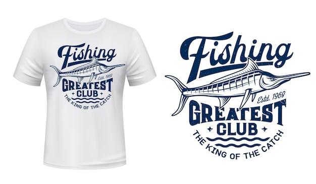 Принт на футболке с большой рыбой марлина