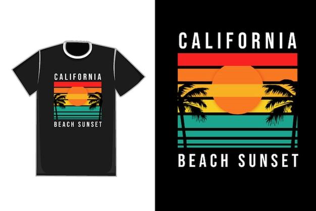 Tシャツタイトルカリフォルニアビーチサンセットカラーオレンジイエローとグリーン