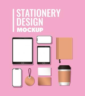 Планшетный смартфон и макет на розовом фоне