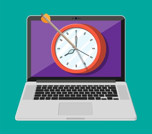 노트북 화면에 활 화살과 시계가 있는 대상. 시간 관리, 계획, 비즈니스 타겟팅 및 스마트 솔루션. 마감 및 시간 개념입니다. 평면 스타일의 벡터 일러스트 레이 션