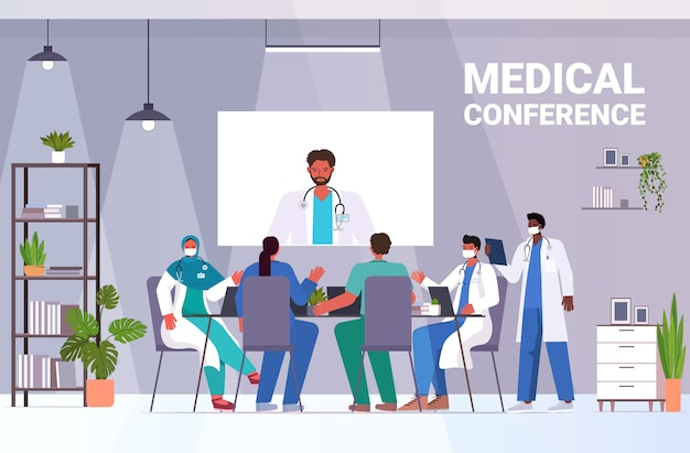 원탁 의학 의료 개념 가로 전체 길이 벡터 일러스트 레이 션에서 논의 화상 회의 혼합 인종 의료 전문가 데 의사의 팀