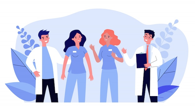 Команда врачей больницы, стоя вместе