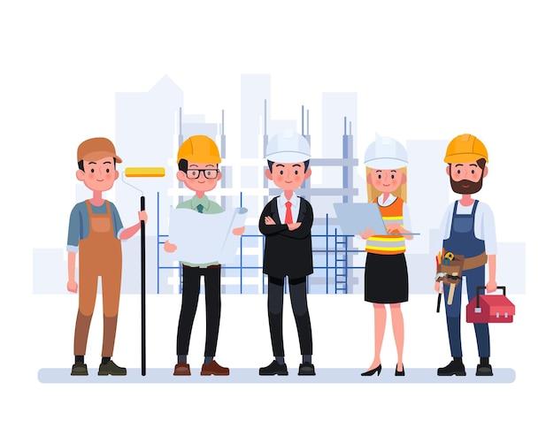 Группа техников, инженер и строитель.