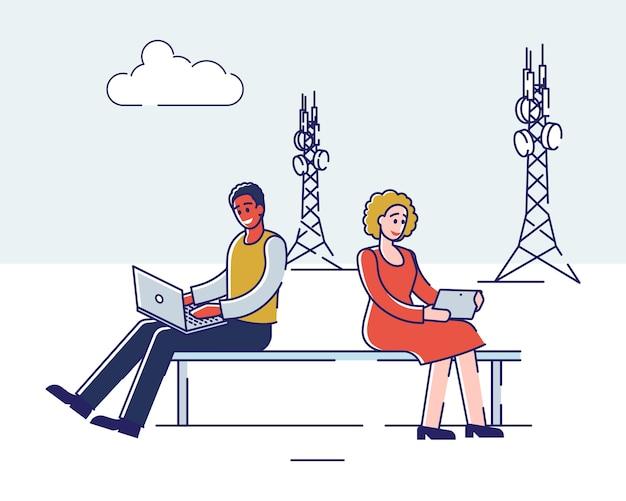 技術コンセプト。男性と女性は、通信とガジェットに高速インターネット技術を使用しています。