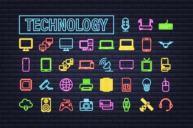 暗い背景の上の技術ネオンアイコン。情報技術。デジタル通信。デバイスアイコン。グローバルネットワーク接続。ベクトルストックイラスト。