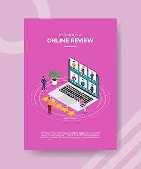Tecnologia recensione online persone in piedi davanti laptop persone valutano stelle sullo schermo di visualizzazione