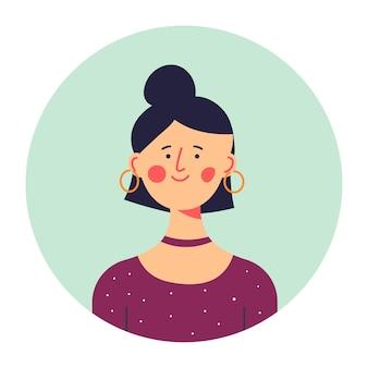세련된 옷과 귀걸이를 한 10대, 파티 준비가 된 편안한 여성 캐릭터의 초상화. 감정적 인 소녀 사진 또는 아바타. 얼굴에 미소와 함께 유행 인물입니다. 평면 스타일의 벡터