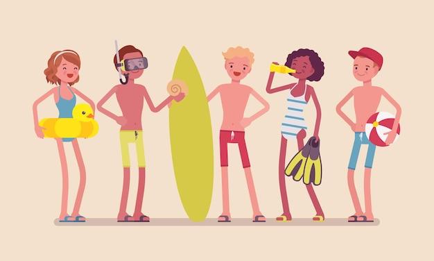 청소년은 해변에서 스포츠 및 수상 활동을 즐깁니다.