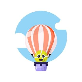 Теннисный мяч на воздушном шаре милый персонаж талисман