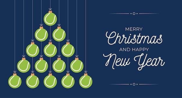 테니스 크리스마스와 새 해 인사말 카드 값싼 물건 나무입니다. 크리스마스와 새해 축하를 위해 검은 배경에 테니스 공으로 만든 창의적인 크리스마스 트리. 스포츠 인사말 카드