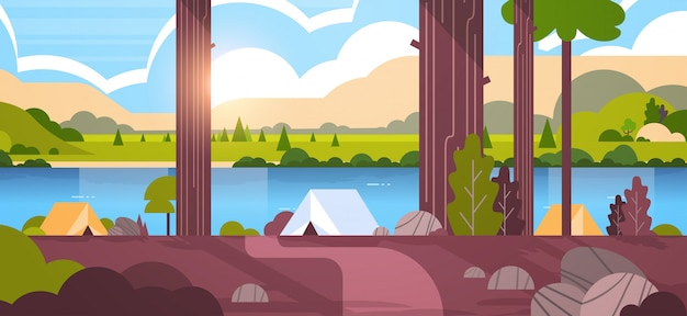 물 산과 언덕 숲 여름 캠프 화창한 날 일출 풍경 자연에서 텐트 캠핑 지역