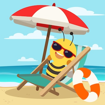 벌은 큰 우산 아래 선글라스를 쓰고 해변에 앉아 있다
