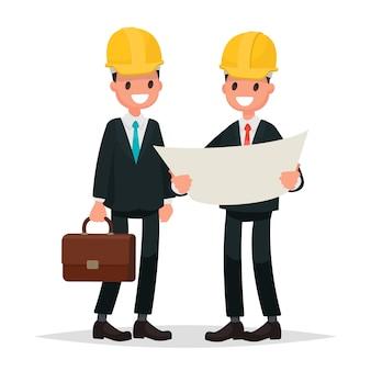고객과 계약자. 프로젝트를 논의하는 비즈니스 정장과 헬멧을 입은 남성.