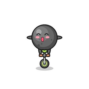 かわいい大砲のボールのキャラクターはサーカスの自転車に乗っています、tシャツ、ステッカー、ロゴ要素のかわいいスタイルのデザイン