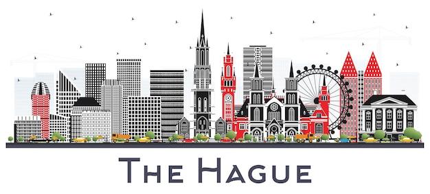 흰색 절연 색상 건물과 헤이그 네덜란드 도시의 스카이 라인. 역사적인 건축과 비즈니스 여행 및 관광 개념. 랜드마크가 있는 헤이그 도시 풍경.