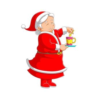 Иллюстрация бабушки в красном костюме, стоящей и заваривающей чай