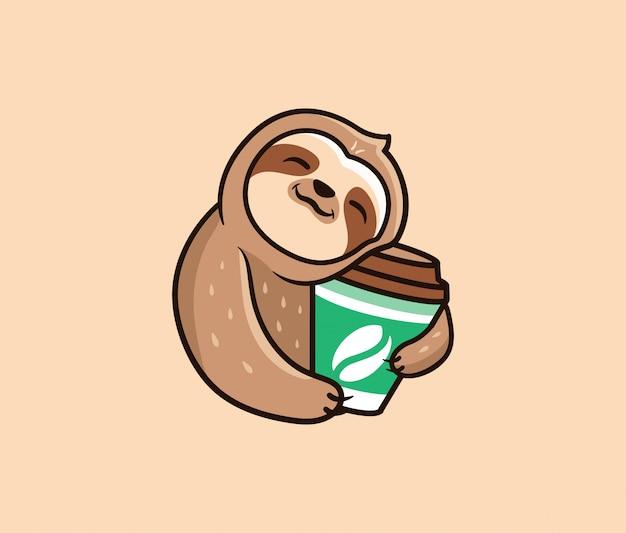 コーヒーが入ったロゴの面白いナマケモノ。食品ロゴタイプ、かわいい動物