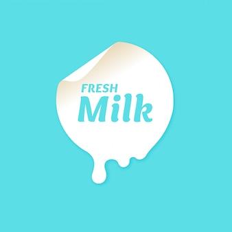Оригинальная концепция постера для рекламы молока.