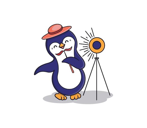 Пингвин фотографирует себя перед фотобудкой.