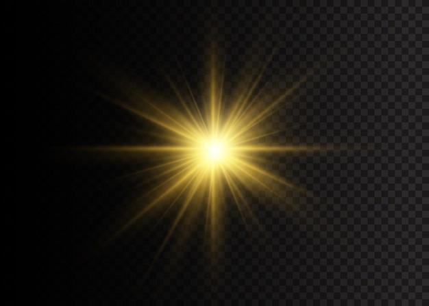 星は輝きをもって爆発しました。黄色の白熱灯の星。光線とスポットライトで太陽のフラッシュ。透明な背景に分離された特殊効果。イラスト、。