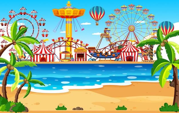 Сцена в тематическом парке с множеством аттракционов на пляже