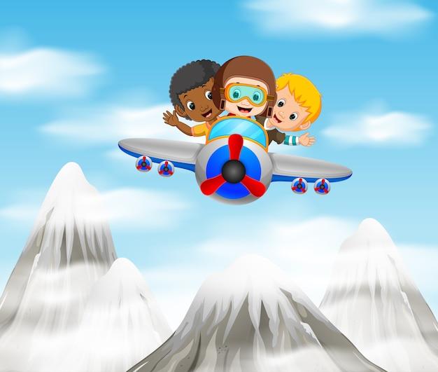 Три мальчика, верхом на самолете над горой