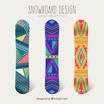 エスニックなデザインの三スノーボード