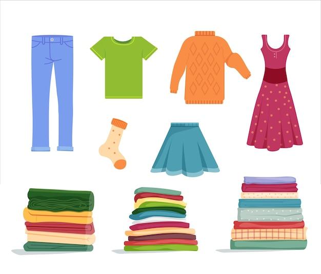 깔끔하게 정리된 옷을 쌓아 놓고 건조하는 세트입니다. 흰색으로 분리된 세탁된 의류, 깔끔한 의류, 쌓인 부드러운 수건과 담요, 건조 드레스, 바지, 스웨터 벡터 삽화