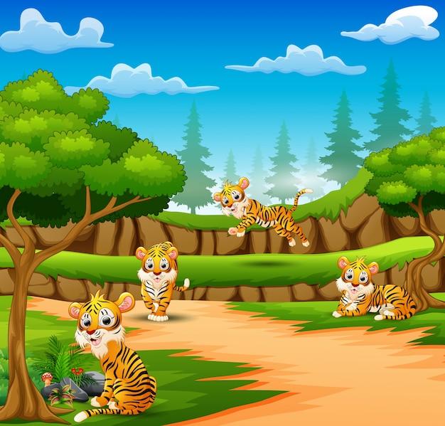 호랑이 만화 숲에서 자연을 즐기고 있습니다