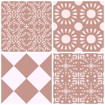 ポルトガルの花のシームレスなパターンセットをタイルします。ほこりっぽいバラ色の幾何学的な背景コレクション。伝統的なアズレージョの繰り返し飾り。ベクトルモノクロパターン。生地、パッケージングの抽象的なヴィンテージプリント。