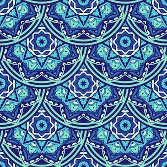 生地のタイル張りのエスニックパターン。装飾的な抽象的な幾何学的なモザイクヴィンテージシームレスパターン。