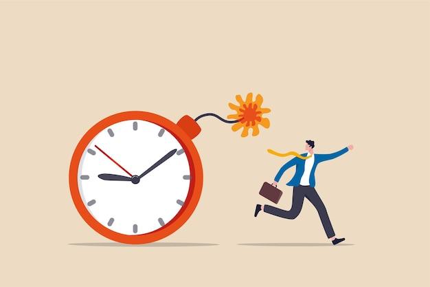 Тайм-менеджмент, обратный отсчет крайнего срока проекта или проблема или проблема с доставкой или запуском концепции продукта, испуганный бизнесмен, убегающий от взорвавшейся бомбы обратного отсчета времени, которая вот-вот взорвется.