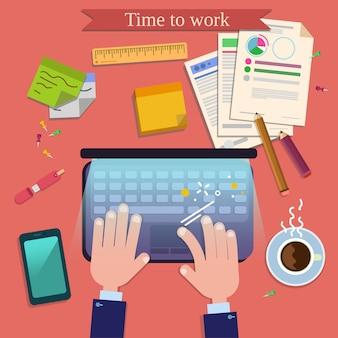 Время работать. современный вид сверху на рабочем столе с ноутбуком и офисными принадлежностями