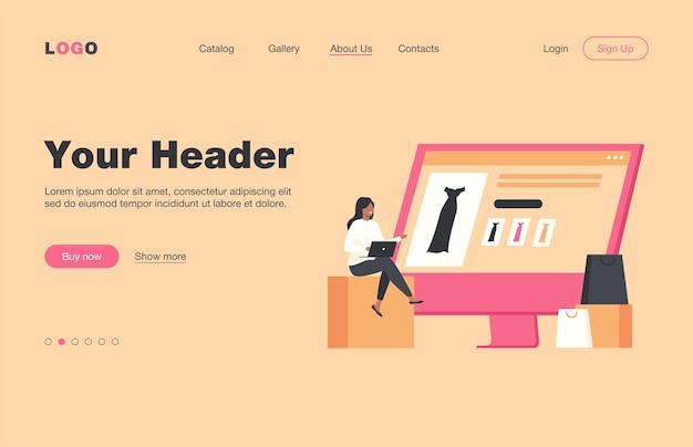 Крошечная женщина выбирает платье в интернет-магазине через ноутбук. компьютер, сумка, одежда плоская целевая страница. концепция покупок и цифровых технологий для баннера, дизайна веб-сайта или целевой веб-страницы