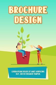 鉢植えの植物を育て、水をまく小さな女性。鍋、葉、緑のフラットベクトル図