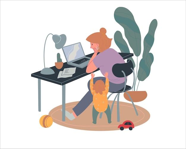 Усталая мама работает из дома, мама пытается работать за ноутбуком, когда ей мешает ребенок.