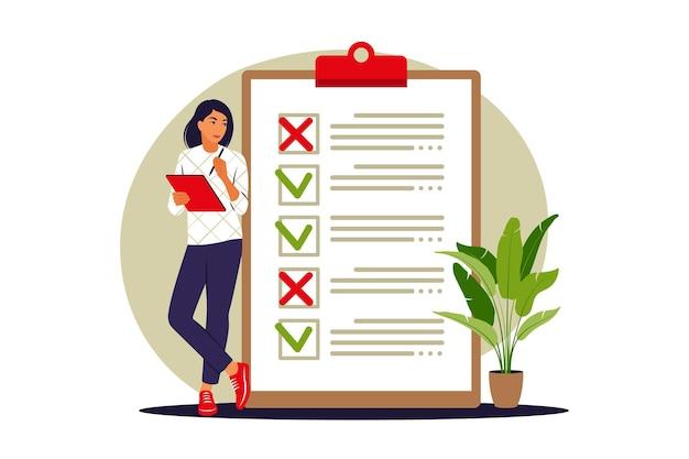リストの概念を実行します。女性はリストを行うために大きな近くに立っています。ベクトルイラスト。フラット。