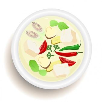 Тайская еда tom kha kai (chickenl в кокосовом супе) взгляд сверху.